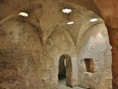 visita-guiada-alcazar-de-los-reyes-cristianos-baños-arabes